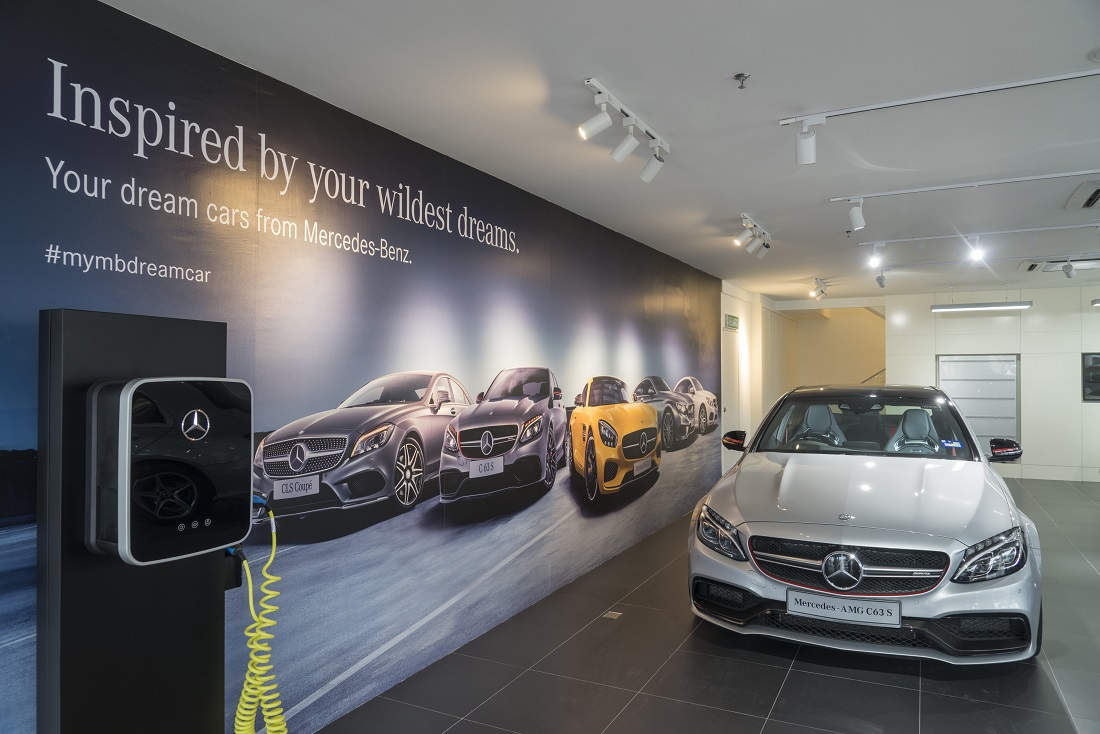 New dealer group enhances sales service network for for Dealer mercedes benz