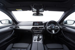 BMW 530i M Sport Dashboard, Malaysia 2017