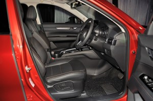 Mazda CX-5 2.5L Skyactiv-G Malaysia 2017 Roll Out, Front Seats