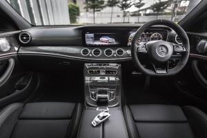 Mercedes-AMG E 63 s 4MATIC+ (41) Dashboard - Malaysia 2017