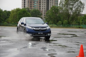 Honda CR-V  - Powerful