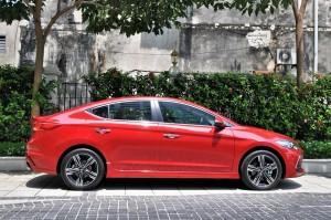 Hyundai Elantra Sport 1.6L Turbo Side View, Malaysia 2017