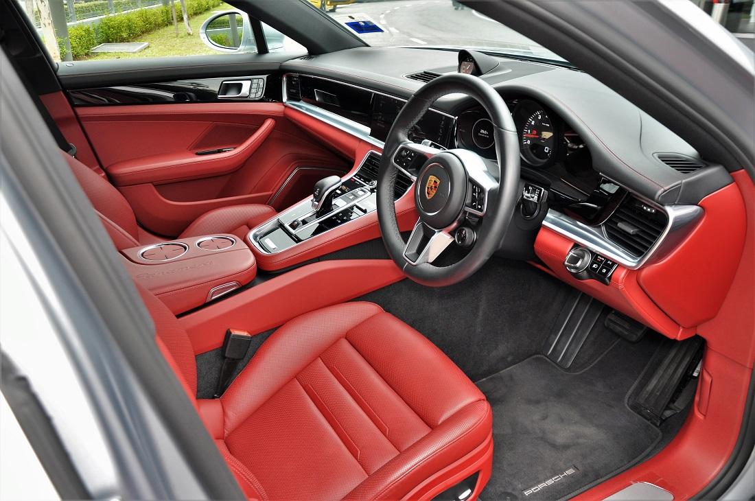 Porsche Panamera Interior, Front, Malaysia 2017