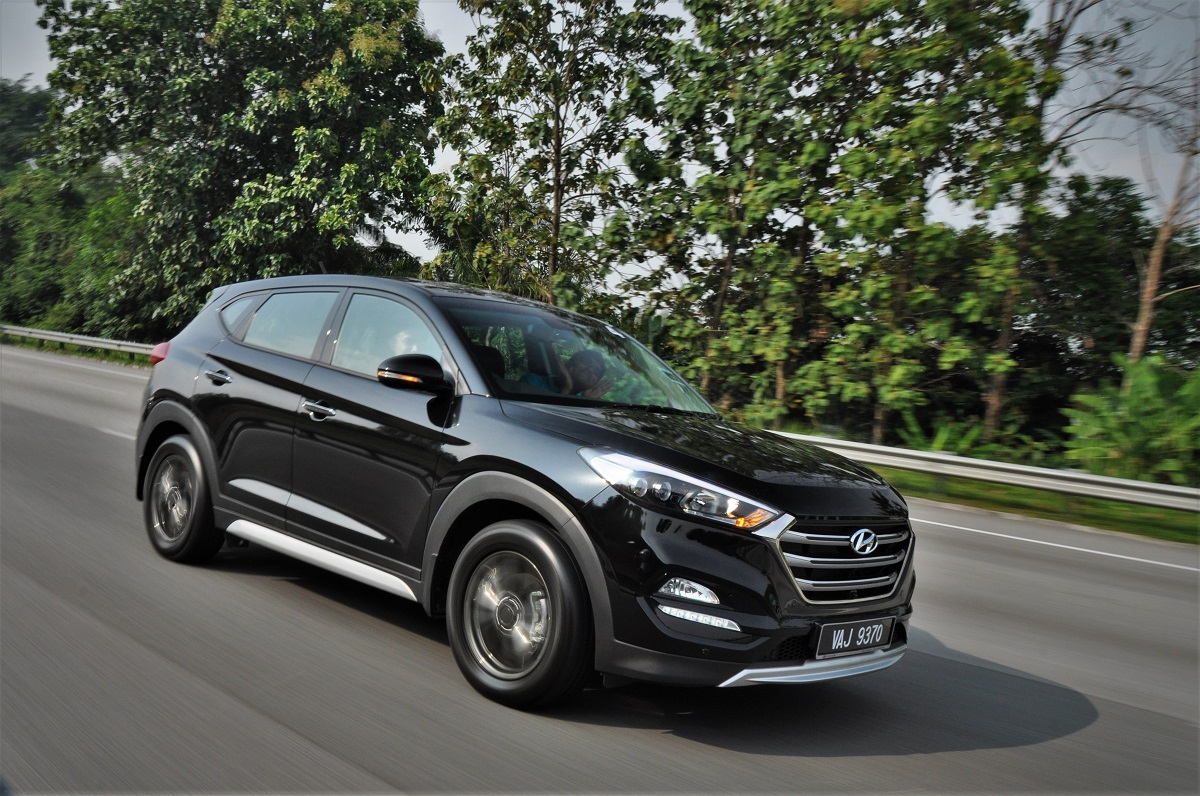 test drive review hyundai tucson 1 6l t gdi 2 0l crdi. Black Bedroom Furniture Sets. Home Design Ideas