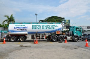 Petronas Dynamic Diesel Euro 5 With Pro-Drive Launch, Tanker, Malaysia 2017