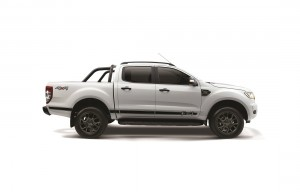 Ford Ranger FX4 Cool White Limited Edition_Side - Malaysia 2018