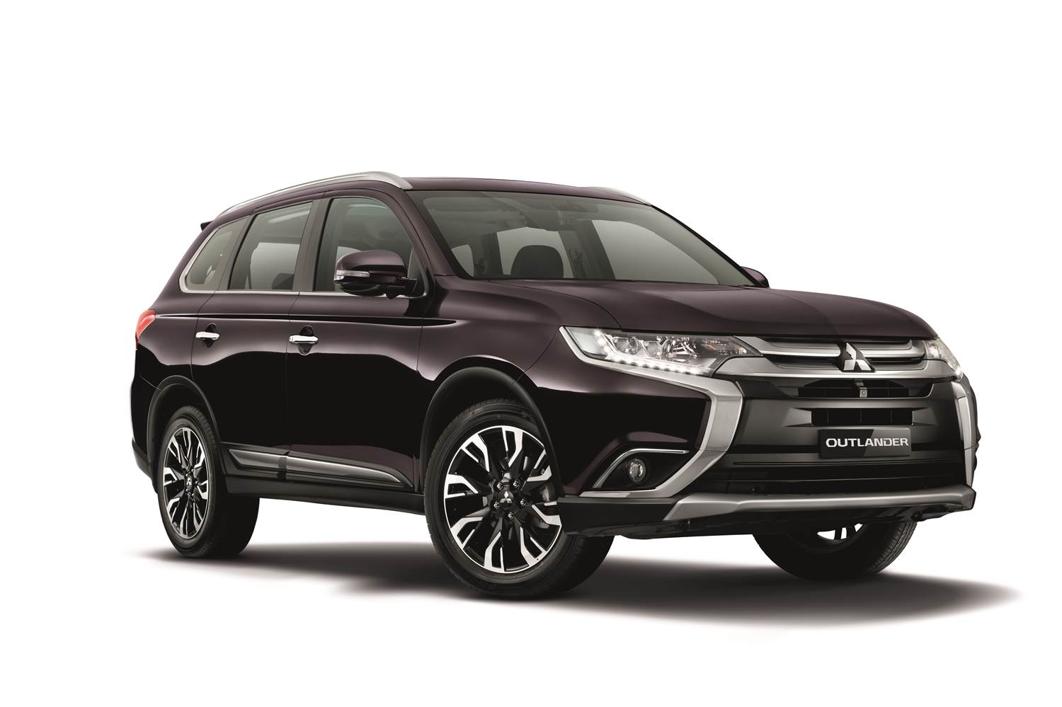 mitsubishi motors malaysia makes available outlander 2 4l suv. Black Bedroom Furniture Sets. Home Design Ideas