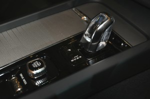 Volvo XC60 T8 Orrefors Crystal Gear Lever, Malaysia 2018