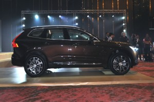 Volvo XC60 T8 Side View, Malaysia 2018