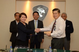 Judith Yam, Director of Atiara Johan Sdn Bhd with Dr Ho of PROTON