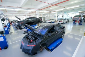 07_1 Botanic Auto Mall Honda 3S Centre now has 24 service bays that can accommodate up to 120  - Malaysia
