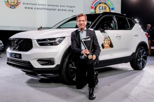 Volvo Car Group President & CEO Håkan Samuelsson with the European Car of the Year 2018 Award and the XC40