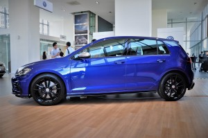 Volkswagen Golf R Side View, Malaysia 2018