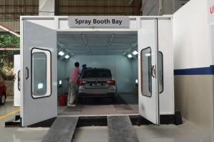 Spray booth bay