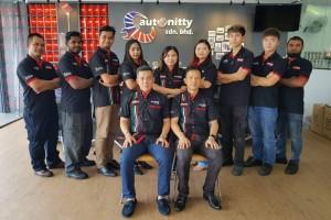 L-R (Seated): Allan Chong, Chang Tai Yean & the Autonitty team