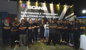 Scania Southeast Asia Managing Director Marie Sjödin Enström with the Scania Ipoh Branch team, Family Day, Malaysia