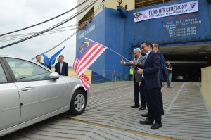 Proton resumed  exports to the Middle East recently. From right: Abdul Rashid Musa, CEO  of Proton Edar, Datuk Radzaif Mohamed, Deputy CEO of Proton and Dr Li Chunrong, CEO of Proton.