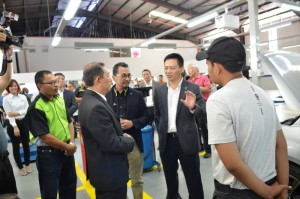 Proton CEO meeting service centre staff, Malaysia