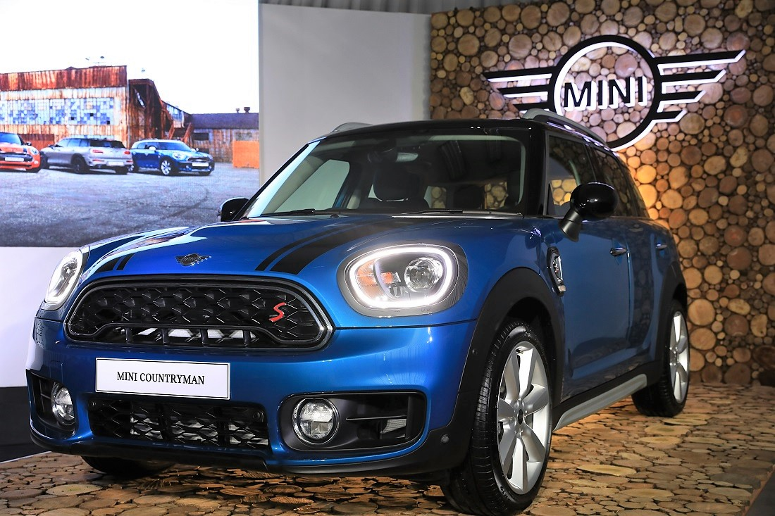 Bmw Group Malaysia Exports First Batch Of Mini Countryman To