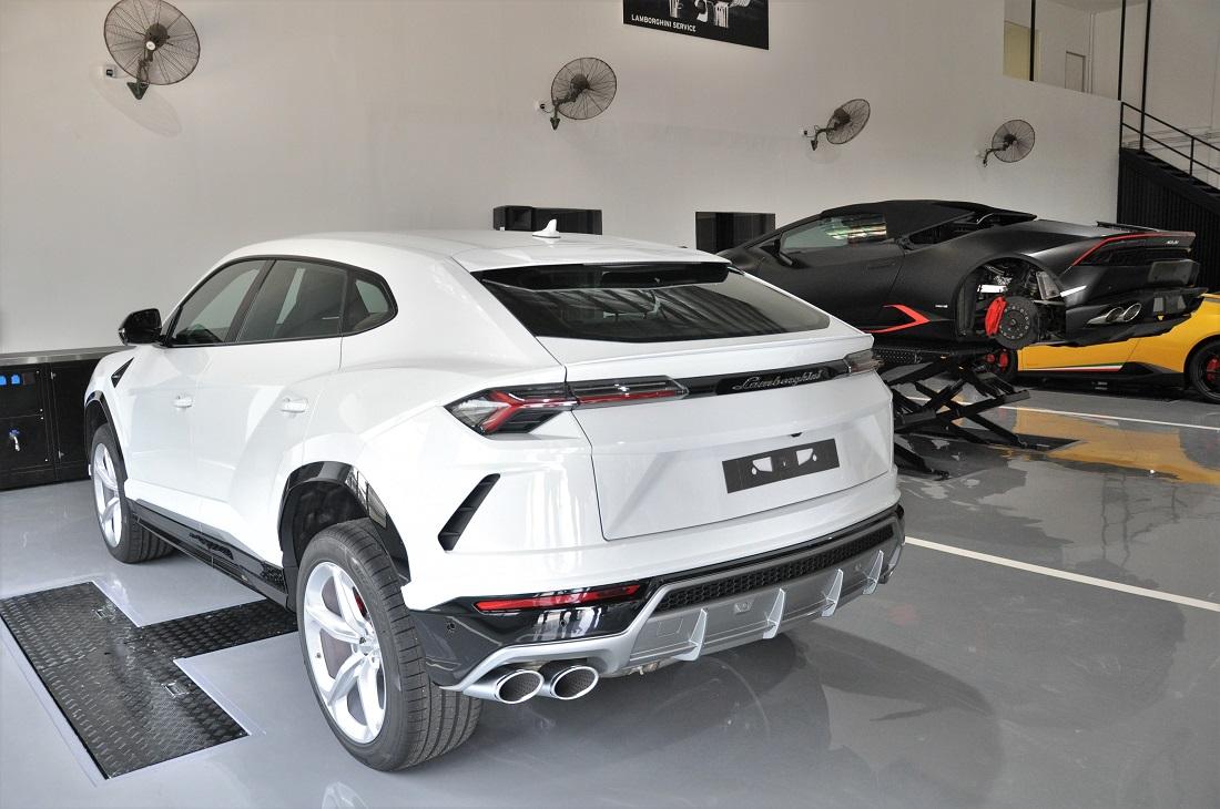 Lamborghini Kuala Lumpur Service Bays Hoists Malaysia Urus
