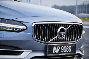 Volvo S90 T8 Inscription Plus, Grille, Malaysia