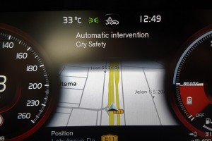 Volvo S90 T8_City Safety_Malaysia