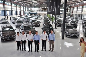L-R: Hap Seng Star Sdn Bhd, National After Sales Operations, Mr Tan Chee Hock; Hap Seng Star Sdn Bhd, Director of Sales, Passenger Cars, Mr Sunny Tan Boon Teck; Hap Seng Consolidated Berhad, Group Chief Officer and Hap Seng Star Chief Executive, Mr Harald Behrend; Mercedes-Benz Malaysia, President and CEO, Dr Claus Weidner; Mercedes-Benz Malaysia, Vice President, Sales and Marketing, Passenger Cars, Mr Mark Raine; Mercedes-Benz Malaysia, Vice President, Customer Services Mercedes-Benz Cars, Mr Heinrich Schromm