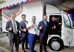 Mohd Radzi Nayan of CFD 74 Enterprise with his new Tata Super Ace