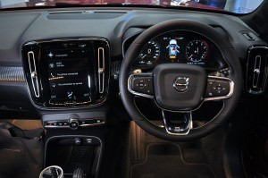 Volvo XC40 T5 R-Design_Steering Wheel_Touchscreen_Malaysia