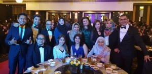 Dato' Sri Syed Zainal Abidin with Petronas staff at the Putra Brand Awards.