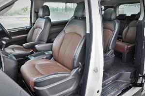 Maxus G10 SE_Front Seats_MPV_Malaysia
