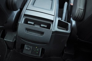 Maxus G10 SE_Rear Cup Holders_220V Power Outlet_12V Outlet_Malaysia