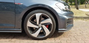 Volkswagen Golf GTi 7.5, 18-inch wheels and brakes, Malaysia 2018