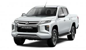 Mitsubishi Triton (Front Quarter)_2019_Malaysia
