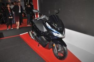 Honda PCX Hybrid_Front Three Quarter_Malaysia