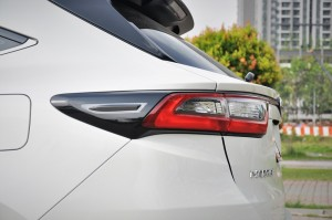 Toyota Harrier 2.0 Turbo_Luxury_LED Tail Lamp_Malaysia