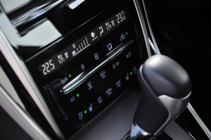 Toyota Harrier 2.0_Climate Control_Drive Mode_Touch Panel_Malaysia