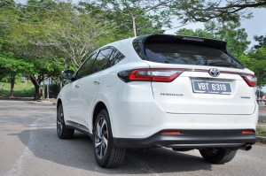 Toyota Harrier 2.0L Turbo_Luxury_Rear_Malaysia