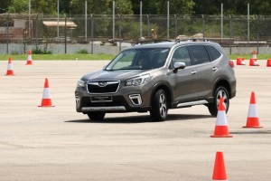 Subaru Forester e-Boxer_Preview_Handling