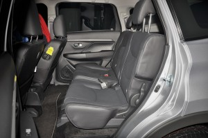 Perodua Aruz_2nd Row Seats_Malaysia