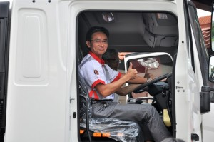 Hino 70 Series SR1E 6x2 Launch_Ken Iwamoto_Ichiro Hisada_Malaysia_Truck