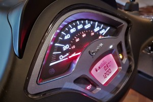 Vespa Notte Sprint 150 i-Get ABS_Meter_Display_Malaysia