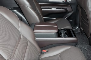 Mazda CX-8_2nd Row Captain Seats_Centre Console_Armrest_Malaysia_Preview