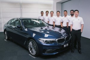 BMW Product Geniuses Deliver Personalised Customer Care (2) - BMW Malaysia