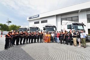 Scania team and AONE team_Scania G-Series Prime Mover_Trucks_Malaysia
