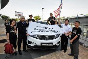 Proton X70_Malaysia - China Amazing Trip_Flag-off by Dato' Radzaif Mohamed (DCEO of Proton) and YB Datuk Lee Kim Shian