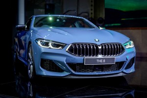 BMW 8 Series_Sonic Speed Blue_Front_Malaysia_Launch