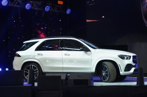Mercedes-Benz GLE 450 AMG Line_Side View_Malaysia_2019