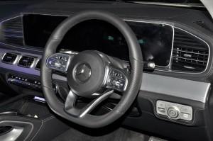Mercedes-Benz GLE 450_Cockpit_Malaysia_2019