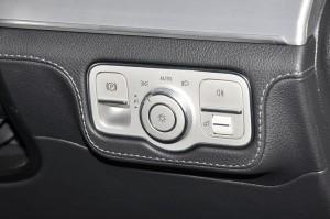 Mercedes-Benz GLE 450_Headlight Control_Malaysia_2019